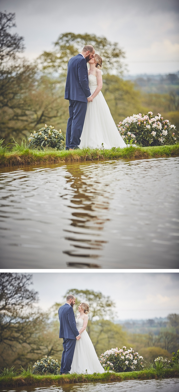 Upton_Barn_wedding_photography_Devon_0040.jpg