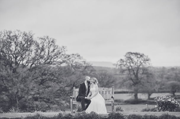 Upton_Barn_wedding_photography_Devon_0039.jpg