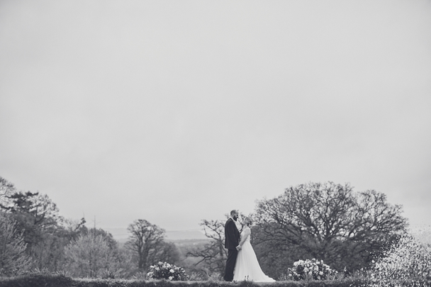 Upton_Barn_wedding_photography_Devon_0038.jpg